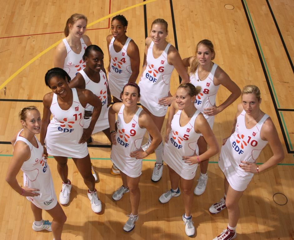 Handball   Les Filles De Metz Jouent En Jupe  U2013 Sportissima
